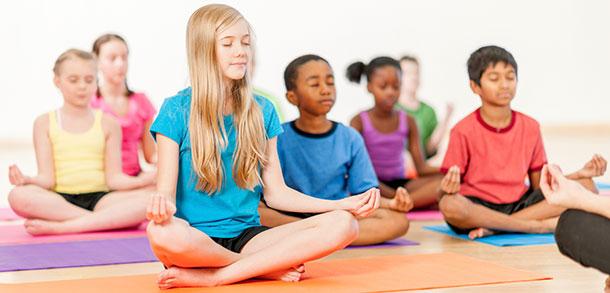 Senam_Yoga_untuk_Anak-Anak_dapat_Mengendalikan_Emosi_Mereka